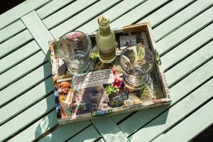 Read more about the article Buntes Shabby-Tablet selbst gemacht
