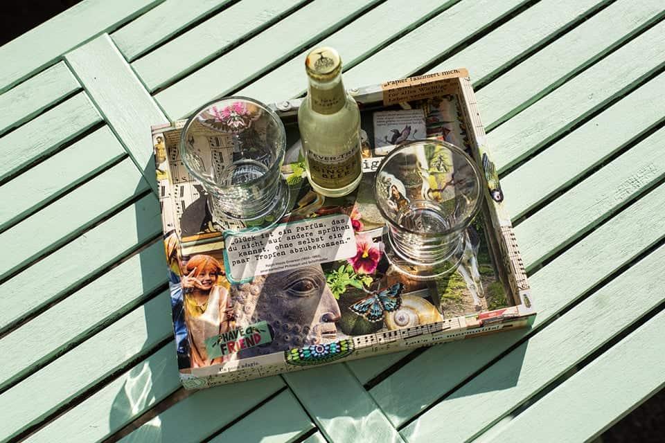 buntes Shabby Tablett - hervorragend geeignet für das Picknick im Grünen