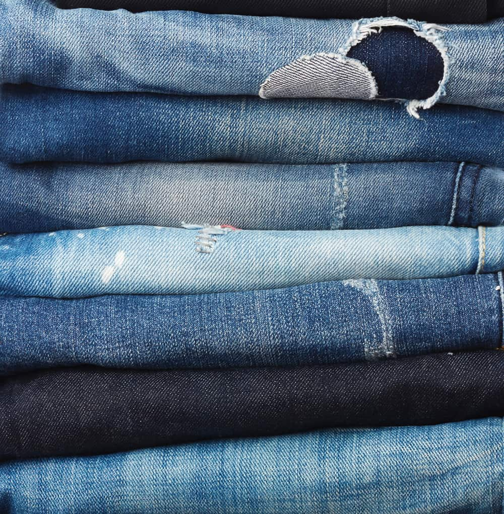 Denim Mode mit Vernunft: Jeansstapel