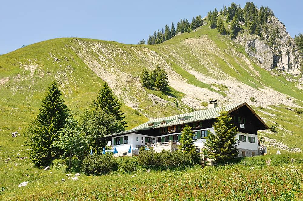 Wandern am Tegernsee und Ödberg: Wanderung zur Schönfeldhütte